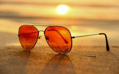 okulary na plaży